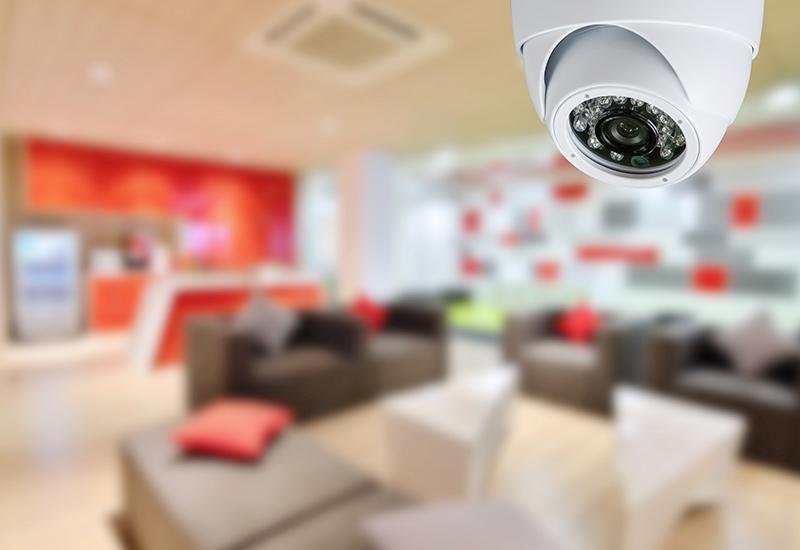 Videokamera, die das Geschäftsinnere überwachen